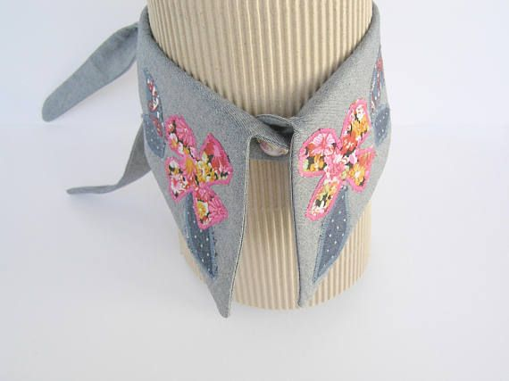 Adjustable collar necklace Blue and pink embroidered spring