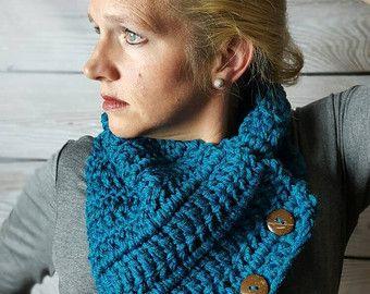 Teal Crochet capucha bufanda, Teal Boston Harbor bufanda, bufanda de botón, Crochet infinito bufanda - pato Real con coco botones de envío rápido!