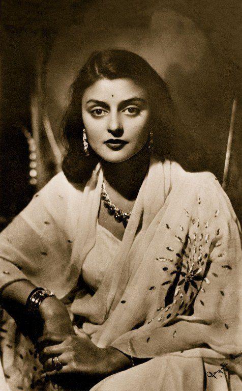www.vagabomb.com amp The-Life-and-Times-of-Maharani-Gayatri-Devi