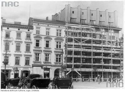 Przebudowa Domu Feniksa. 1941