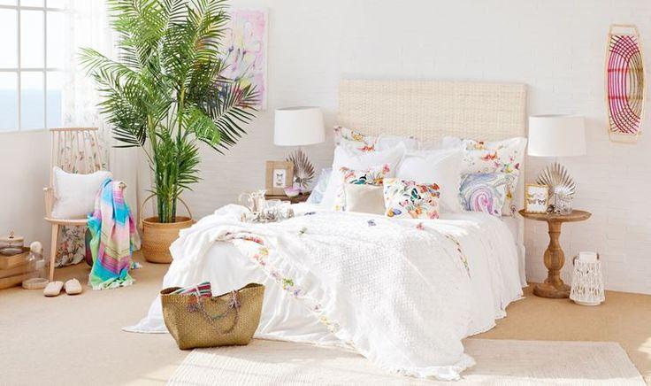 Buongiornooooo!!!! Grande personalità in camera da letto con Zara Home. Ecco il vasto assortimento di biancheria da notte! http://www.arredamento.it/zara-home.asp  #biancheria #notte #cameradaletto #zara