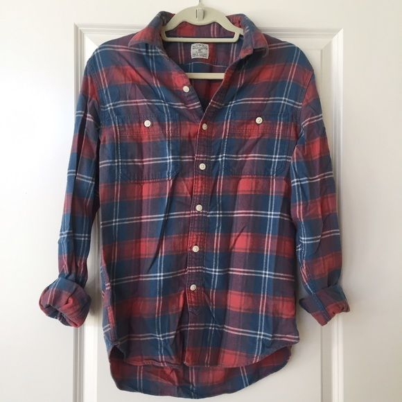 """J. Crew flannel shirt Men's size small (slim, longer fit for women - putting this as a """"medium"""" for women) J. Crew 100% cotton button down flannel shirt. So warm and looks great with leggings and boots. J. Crew Tops Button Down Shirts"""