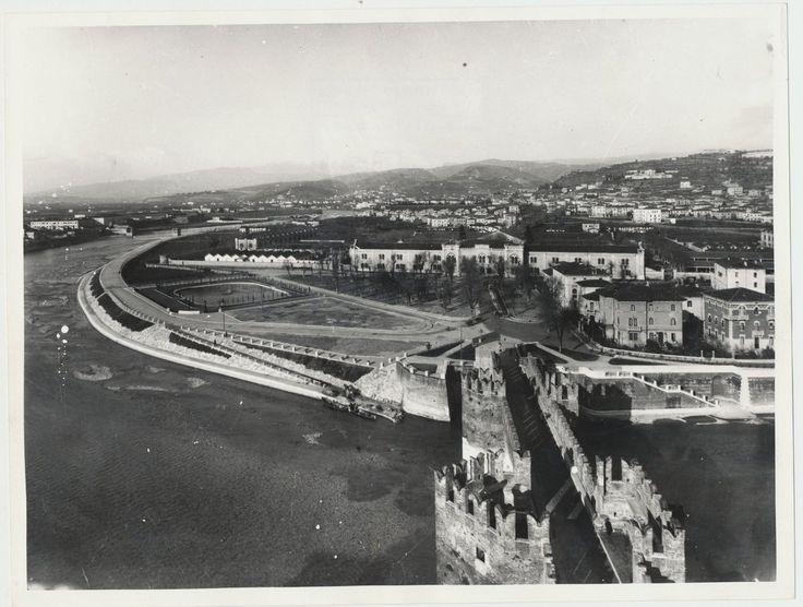 Verona - la Campagnola nei primi anni del 1900 - da Castelvecchio oltre l'Adige il futuro Borgo Trento con l'Arsenale austriaco.