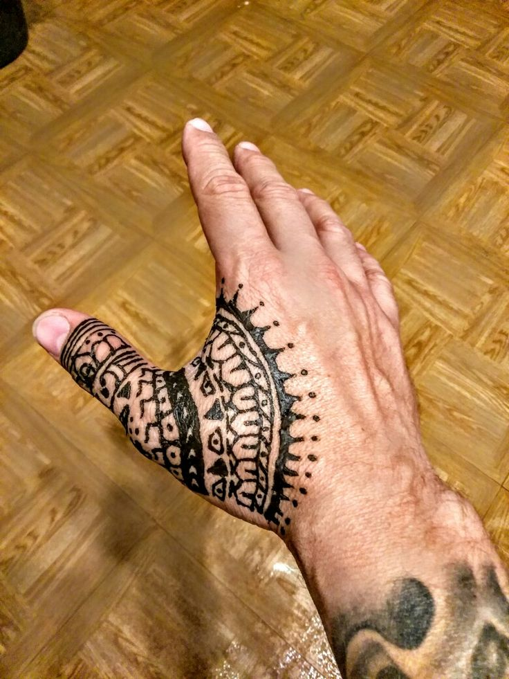 Thumb Henna for men.  Gaddy marz