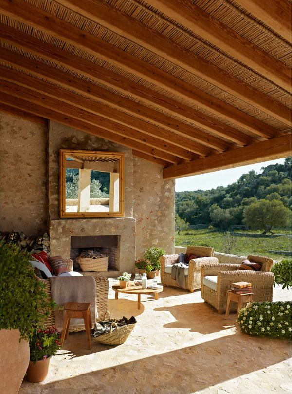 I could see a doublesided fireplace, this showing the other side of the 4 season room.  .beautiful porch*