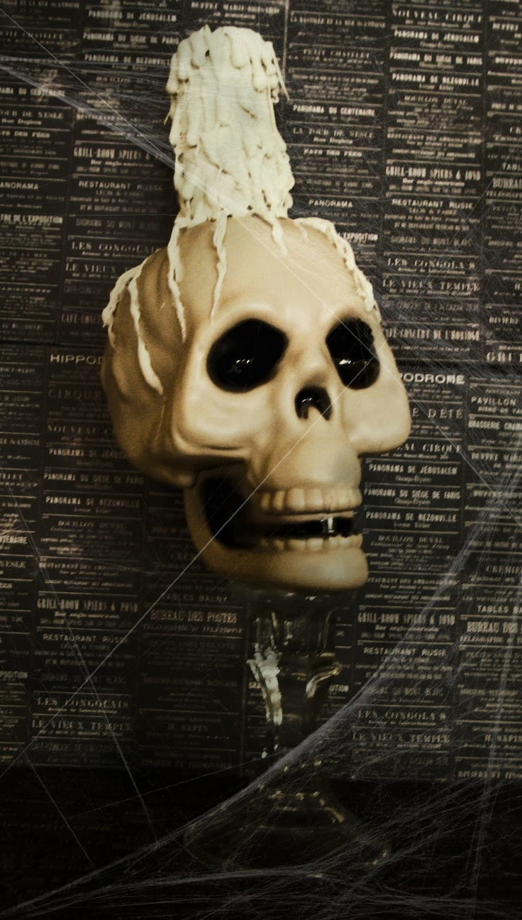 Halloween skulls decoration - Diy Halloween Diy Halloween Prop I Have These Skulls So This Will Be Really Easy