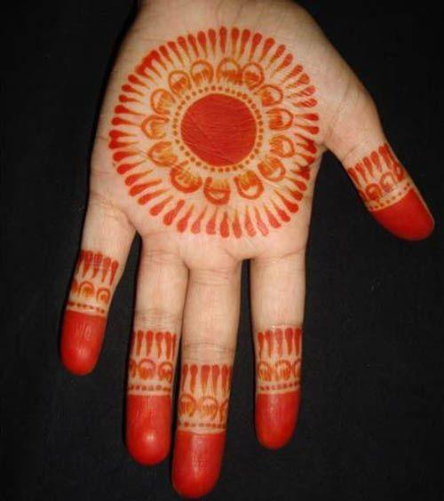 Simple Round Mehndi Designs