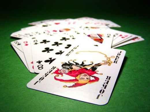 Come giocare al gioco di carte burraco gratis Tra i giochi di carte, il Burraco sta diventando sempre più una moda. Con la guida di oggi voglio svelarti come giocare a Burraco gratis. In alcuni casi dovrai sopportare qualche annuncio pubblicitar #burraco #giochidicarte