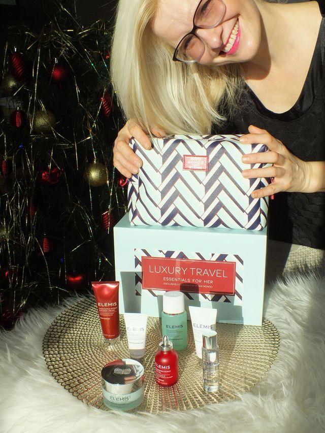 Elemis Skincare Giveaways! 7 Elemis Skincare and 1 Designer Cosmetic Bag FREE! #MoreYouthfulSkin #blog #blogger #blogcontest #bloggiveaway #Elemisfreesamples