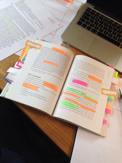 Sticky notes and tabs as a way of highlighting key things without writing in a book
