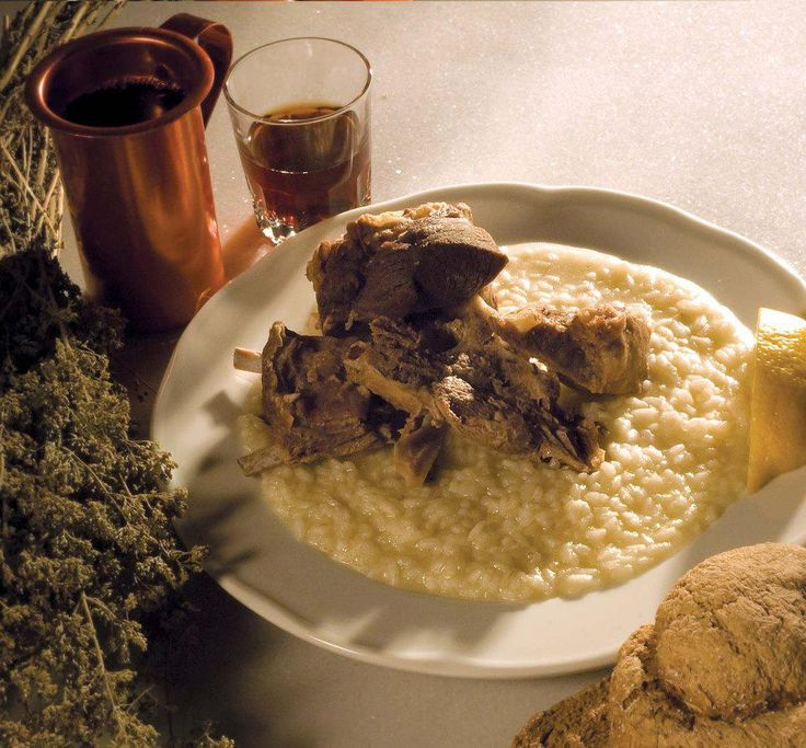''Gamopilafo'' (Wedding rice) Cretan traditional food for Weddings-this looks delicious