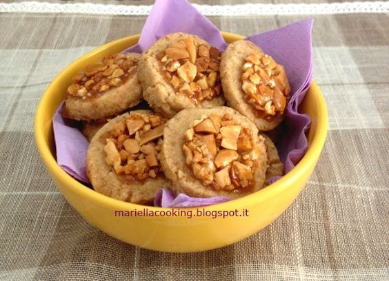 Biscotii alle arachidi e caramello salato di Mariella