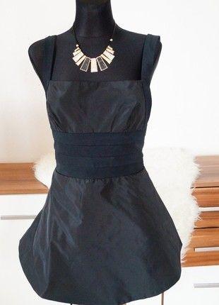 Luxusní společenské šaty s boa