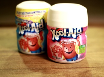 Kool-Aid / Strawberry Flavor