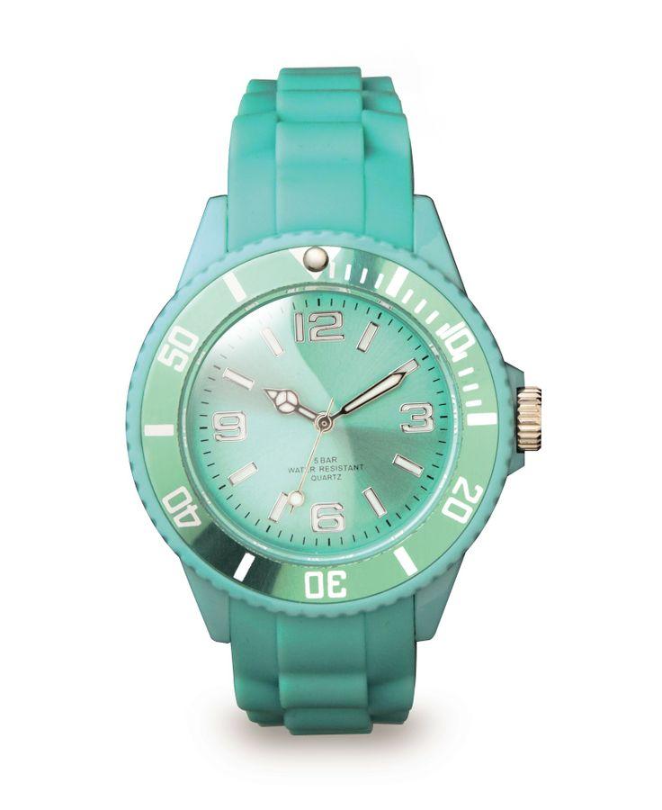 Colour Watch #TravelEssentials #win