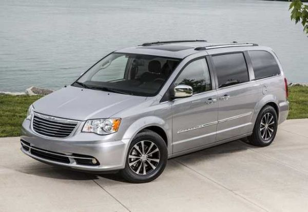 2016 Chrysler Town & Country Delivers Higher Acceleration