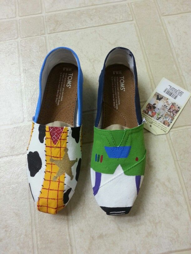 how did I never know about Disney toms? Not that I could afford them. But I still love them. Especially the toy story