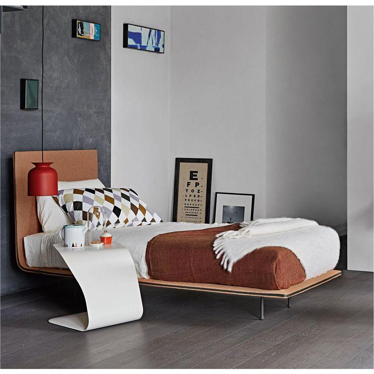 Bett Mit Minimalistisch Grauem Design Bilder | Haus Design Ideen