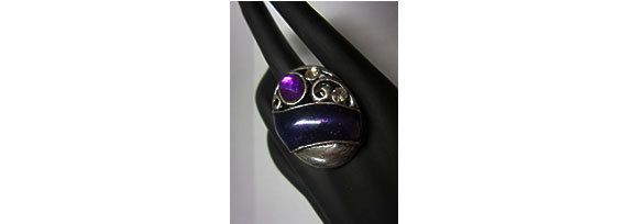 Purple stretchy statement ring