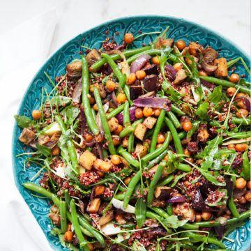 Marockansk auberginesallad med gröna bönor och apelsindressing - Recept - Tasteline.com