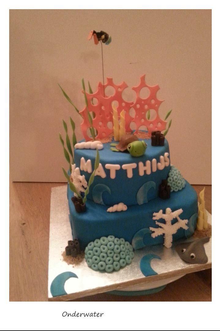 Onderwater taart met schildpad en rog.