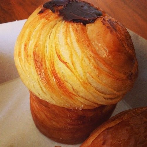 cruffin   Lune Bakery - NO RECIPE, this is a reminder for myself to FIND a recipe.