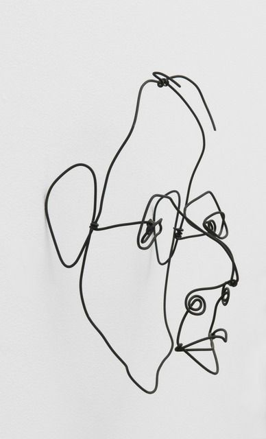 ALEXANDER CALDER Portrait of Mr. Uhlan, 1938  Steel wire 11 × 9 1/4 × 5 in 27.9 × 23.5 × 12.7 cm