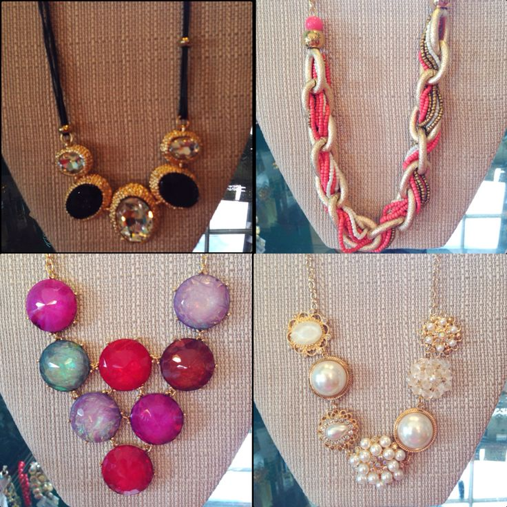 Does your outfit just need something to make it pop? At Penique's we have so many bubble necklaces that will do the job! ✨