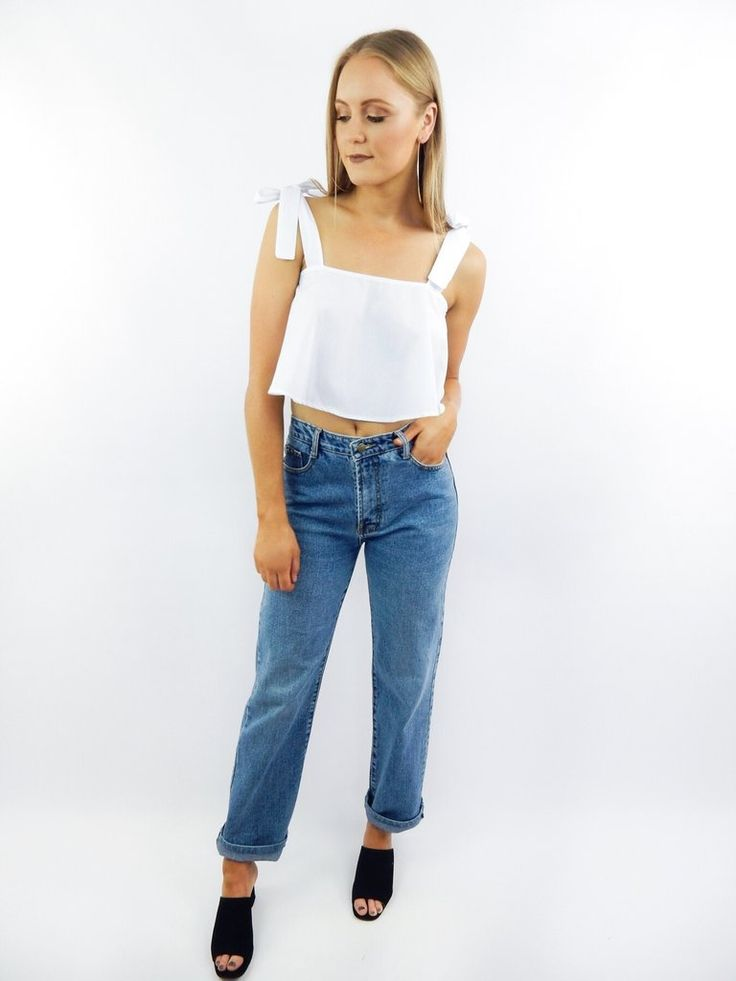 The Lee Denim Boyfriend Jeans come in a light wash denim and feature a 5 pocket design, high waist, belt loops, and boyfriend style.