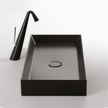 Firkantet sort håndvask til bordplade i flot design