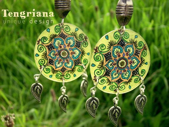 5 Variations of Ethnic-style Handpainted Miniature by Tengriana *UPDATE* the yellow earrings are sold, other 4 sisters available in the webshop!