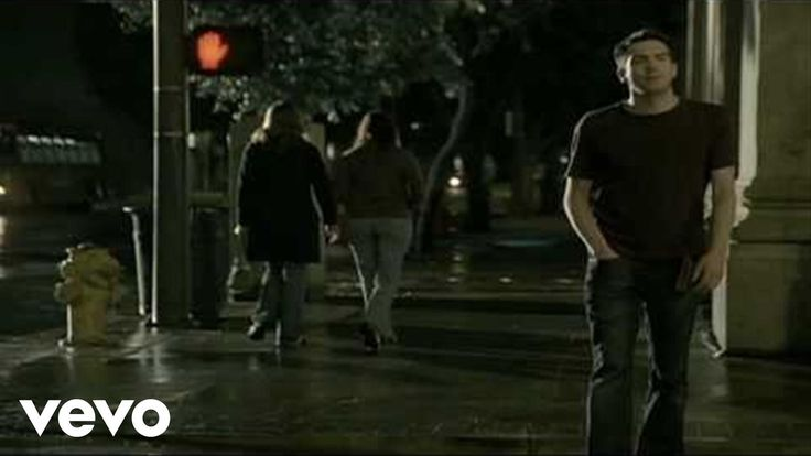 Music video by Snow Patrol performing Chasing Cars. (C) 2006 Polydor Ltd. (UK)
