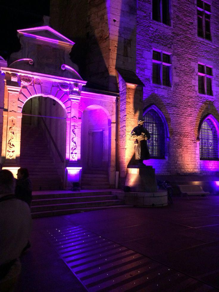 Cour de Bar à Dijon. So lovely place !!