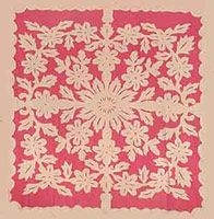 A Tifaifai...a tahitian patchwork, beautiful on your bed or adorning a wall!