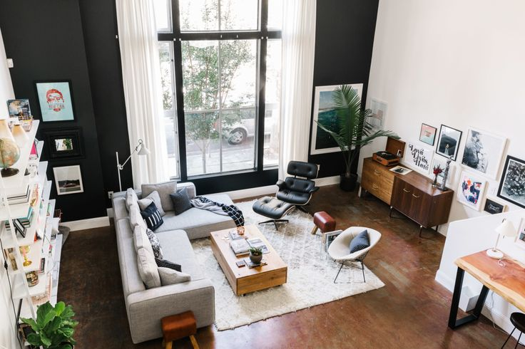 Savannah has designed countless homes in the Bay Area, but she had yet to ever make a place of her own. With two creatives under one roof, a gorgeous haven emerged.