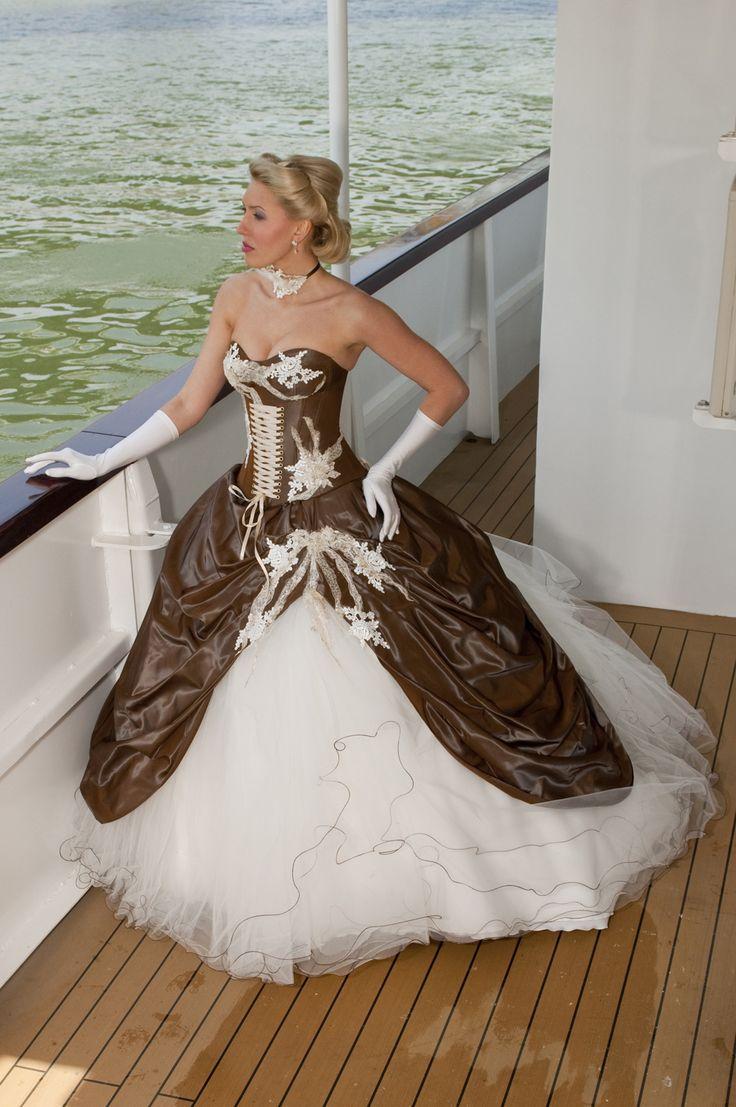 best 25 corset wedding dresses ideas on pinterest wedding dress websites corset dresses and. Black Bedroom Furniture Sets. Home Design Ideas
