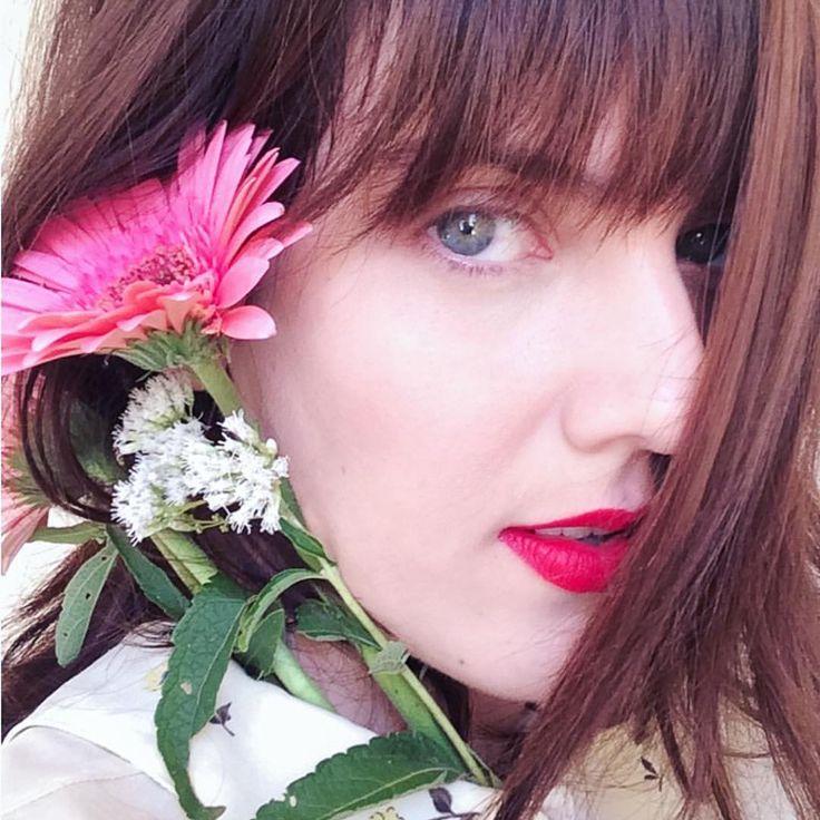 // Lilian Larrañaga // Florindo sem medo de murchar… 🌸🌿Comemorando 33 outonos hoje! 🍁🎂🎈 #mybirthday