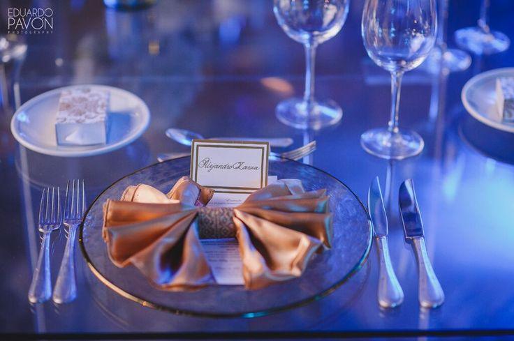 Acentos dorados y detalles de cristal. #marialimon #floral #weddings #floraldesign #floralstyling #weddingstyling #eventstyling #beautiful #magic