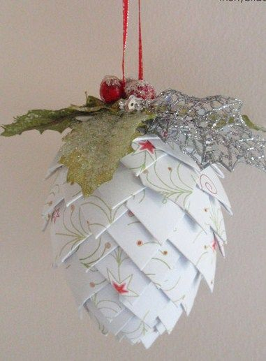 Project : Paper Christmas Decorations • Lot's of tutorials, including these paper pine cone ornaments by 'The Hybrid Chick'!