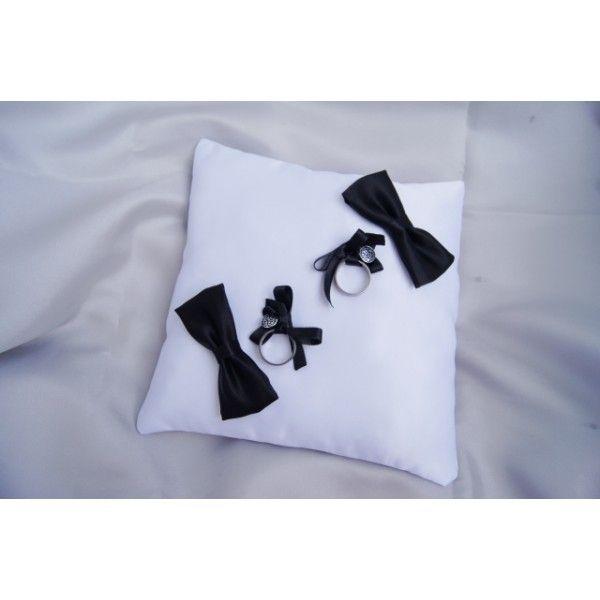 cr ations de coussins originaux pour la d coration coussin alliance mariage coussin naissance. Black Bedroom Furniture Sets. Home Design Ideas