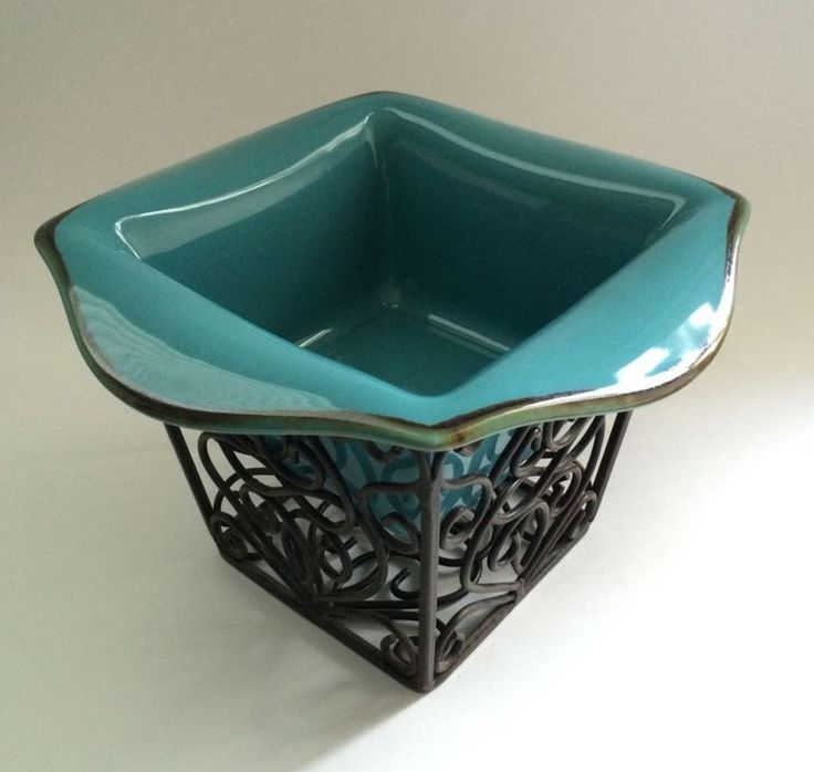 Southern Living at Home Everyday Tuscan Blue Baker AND Rosedale Iron Planter…