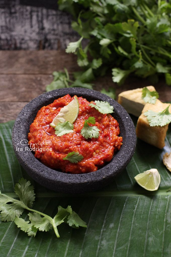 Sambal Oelek (20 fresh, red chillies/cayenne pepper, 12 shallots, 4 cloves garlic, 1 fresh tomato, 1 ½ teaspoons brown sugar, 1 tsp salt, 1 teaspoon toasted shrimp paste, 4 tablespoons coconut oil and cheek of lime to serve)