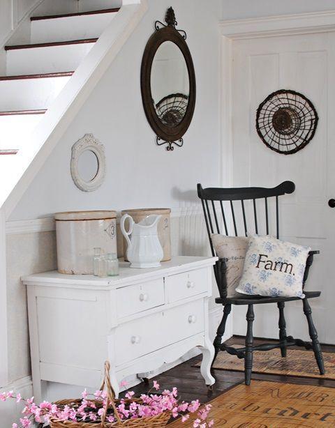 17 best images about farmhouse decor on pinterest love for Farmhouse mudroom ideas