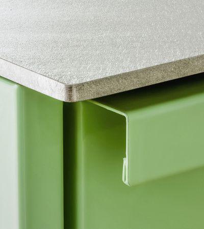 die arbeitsplatte besteht aus 5mm silver touch von stadler edelstahl die warmgewalzte. Black Bedroom Furniture Sets. Home Design Ideas