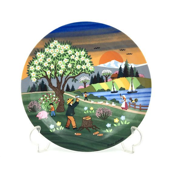 Assiette décorative. Barbara Furstenhofer. Plaque murale #shopnow #assiettedecorative #assiette #barbarafurstenhofer #decorativeplate #wallhanging #walldecor #seasonsdecor #springdecor #shabbychic #etsyshop #vintageshop #madeingermany #germanvintage #nurserydecor #bavaria #poolepottery #colorfulplate #ceramicplate #wallplaque #bohochic #latelierdenanah #fleamarket #brocante #ideecadeau #bohostyle #homedecor #kitchendecor #vintage #retro  #collector #antiqueplate #frenchantiques…