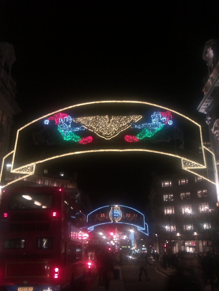 Oxford Circus Xmas Decorations 6