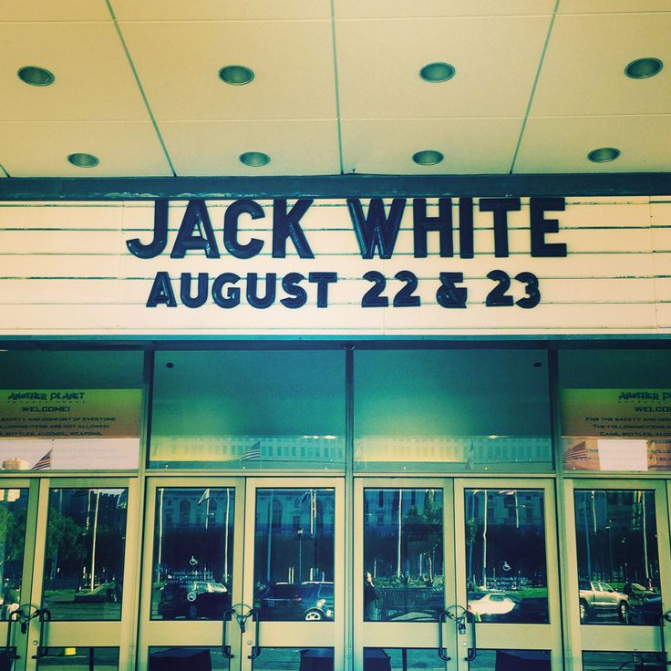 Jack White performs in SF.