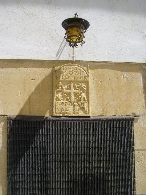 Escudo nobiliario en Hoyos del Tozo.