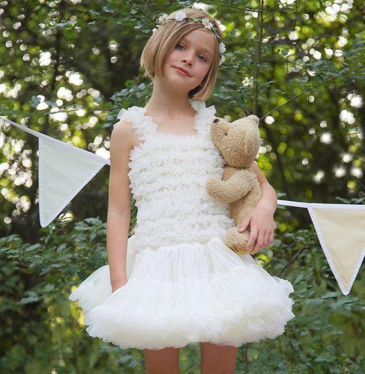 Παίζουμε μαζί: Πανέμορφα ρούχα για κορίτσια!