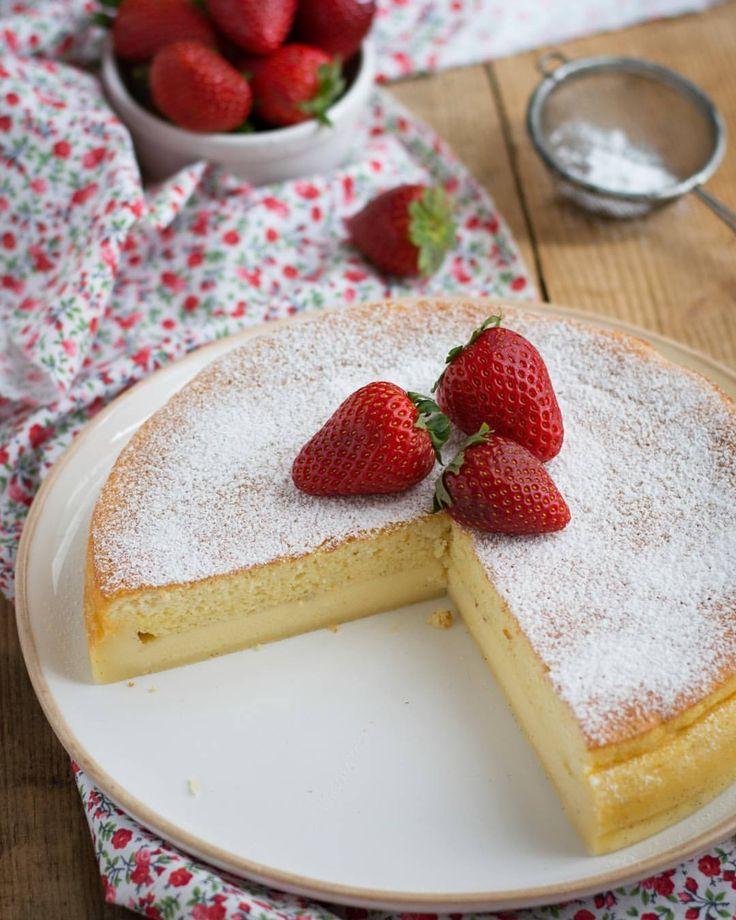 """353 mentions J'aime, 16 commentaires - Carine Couriol (@chic_chic_chocolat) sur Instagram: """"Le gâteau magique à la vanille. Si quelqu'un vous dit que ce gâteau n'est pas bon, soit il ne l'a…"""""""